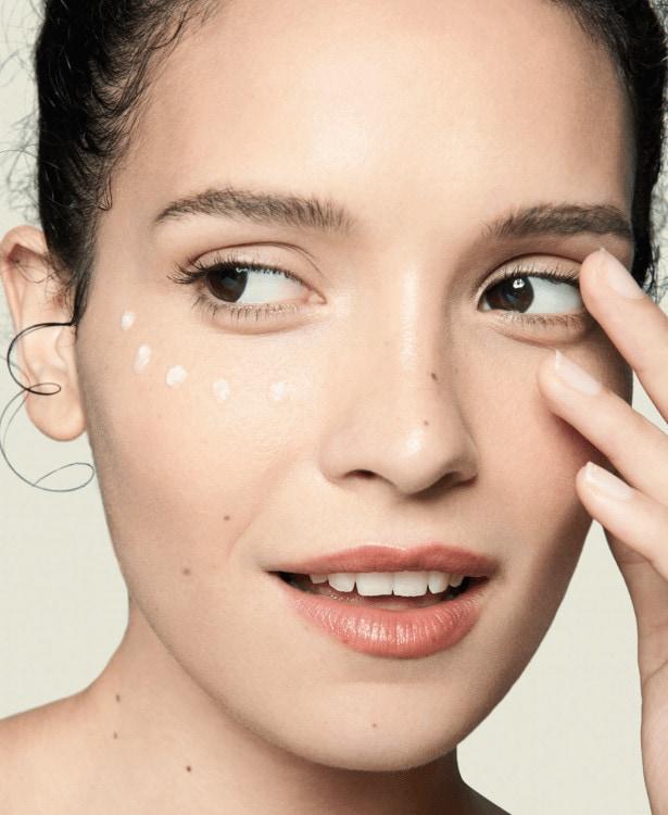 flawless eye serum model